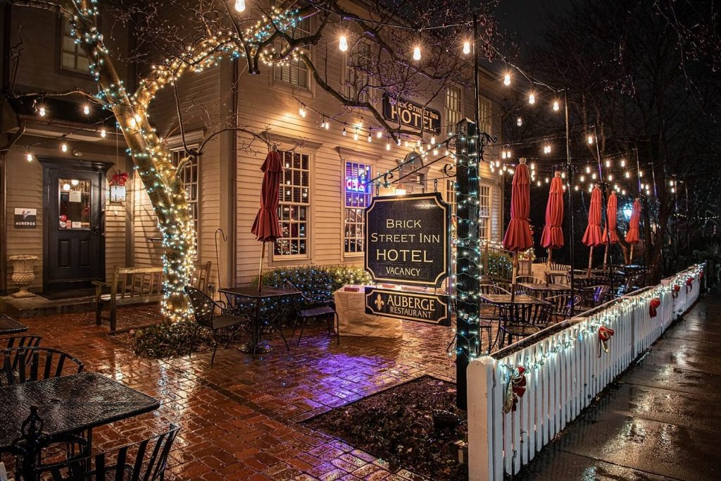 Holiday Decorations at the Brick Street Inn